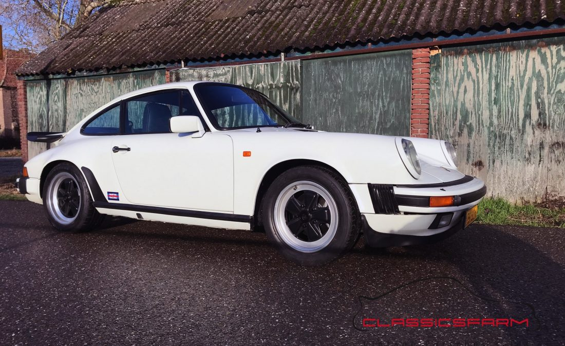 Porsche 911 Carrera 3.2 coupe-68