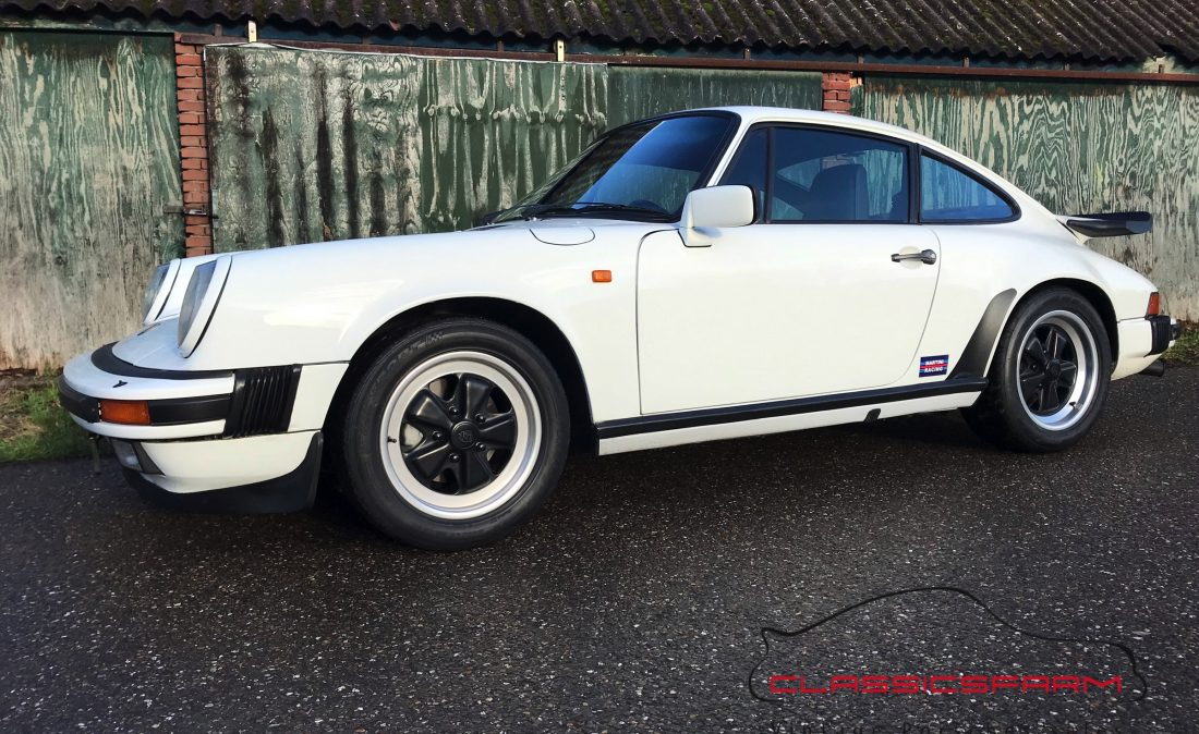 Porsche 911 Carrera 3.2 coupe-74