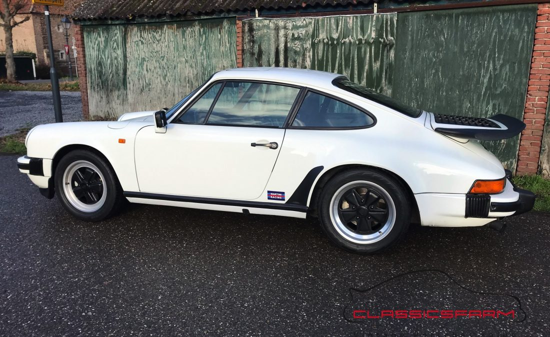 Porsche 911 Carrera 3.2 coupe-76
