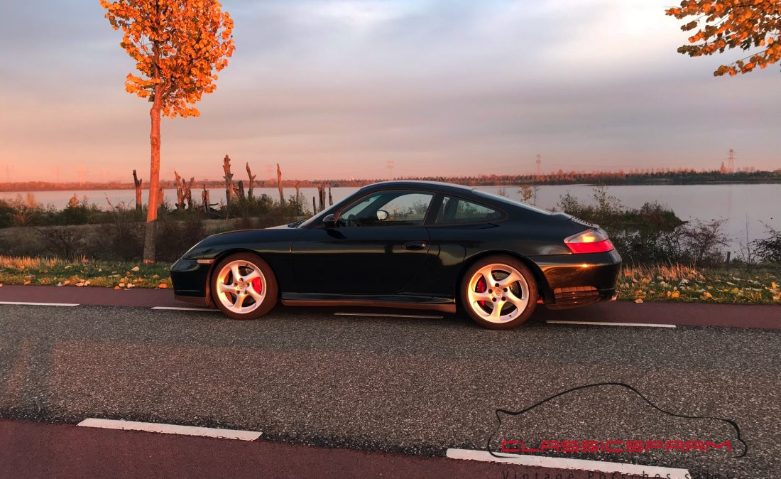 Porsche 996 Carrera 4S coupé-1