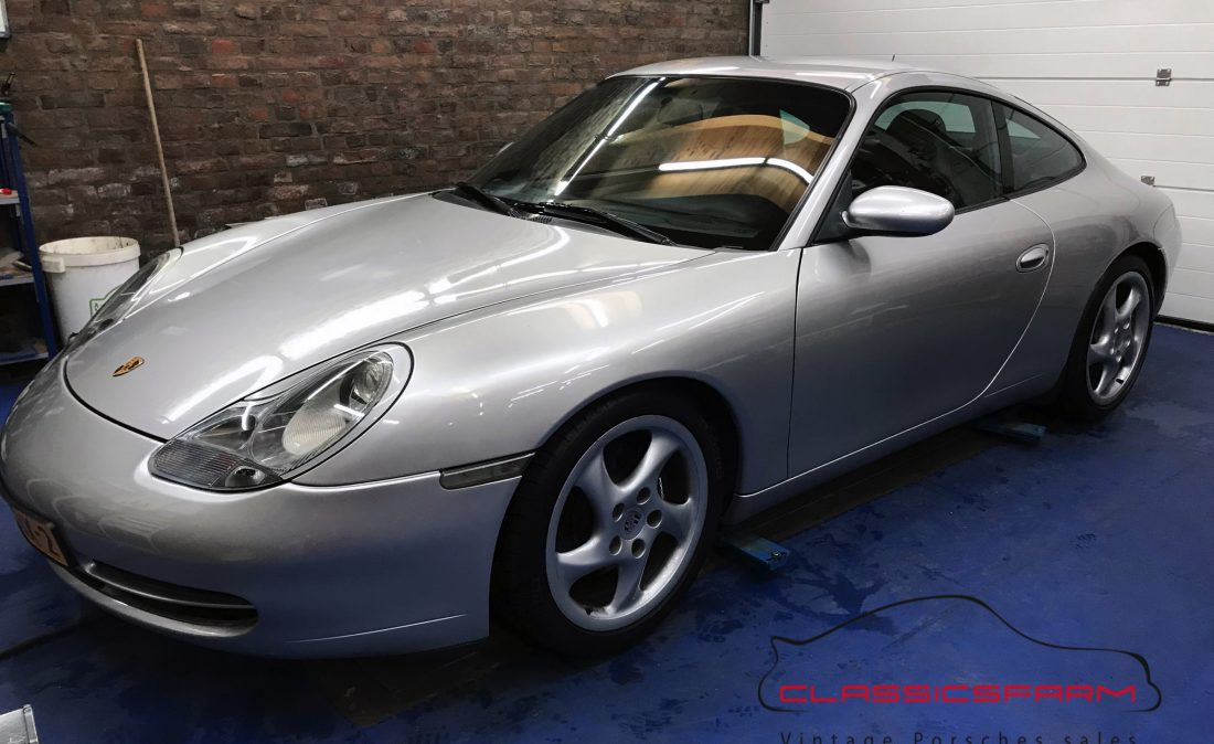 Porsche 911 996 Carrera 2 coupe-12