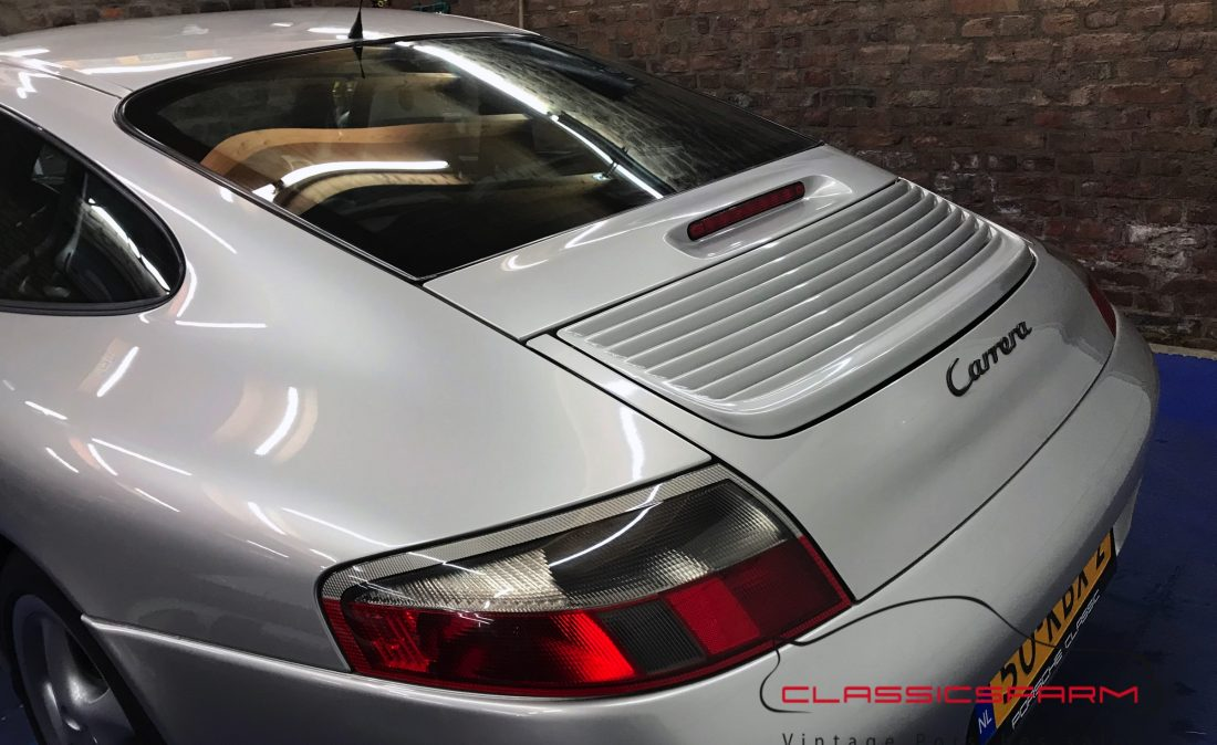 Porsche 911 996 Carrera 2 coupe-16